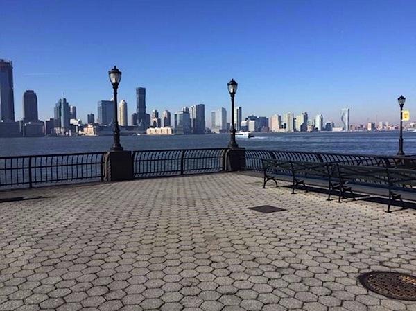 memorial para victimas de huracan maria en new york